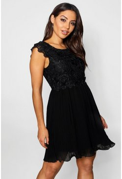 Black Boutique  Corded Lace Pleated Skater Dress