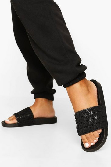 Black Pyramid Padded Slider