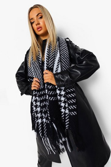 Black Chunky Dog Tooth Fringe Scarf