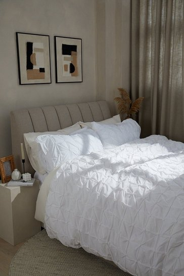 White Rouched Pleat Double Duvet Set