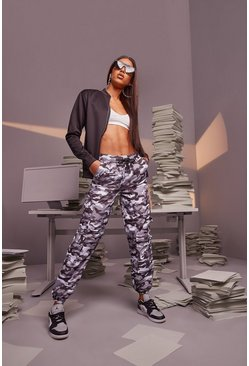Light grey Woman Shell Camo Cargo Joggers