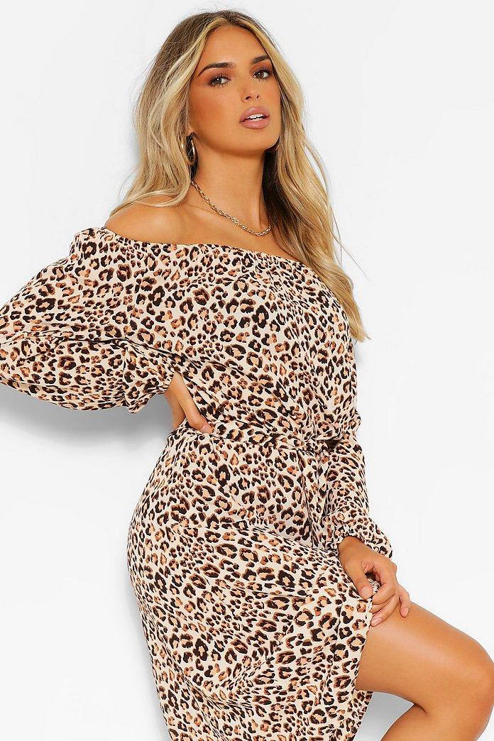 Petite Leopardmönstrad off shoulder klänning   boohoo SE