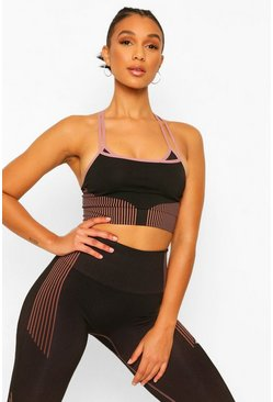Black Fit Woman Seamless Contour Sports Bra