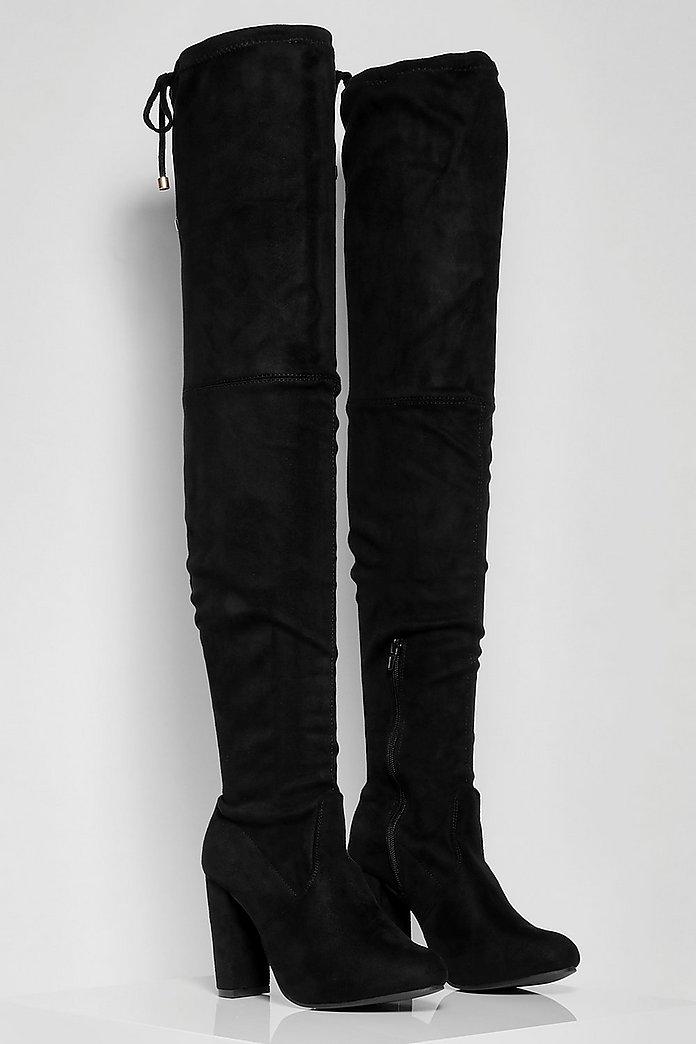 Outfit: B&W med lårhöga stövlar | heelshaveeyes