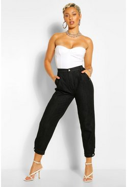 Black Curved Detail Mom Jean