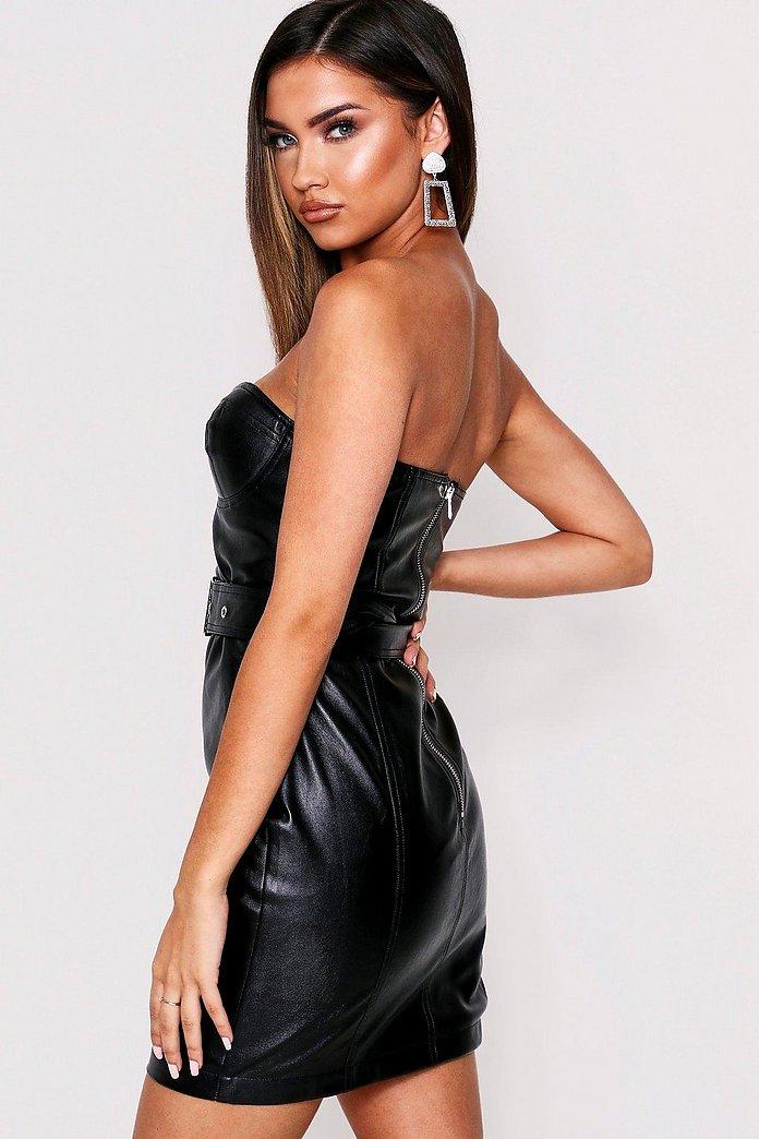Axelbandslös klänning i PU med sydda kupor | boohoo SE
