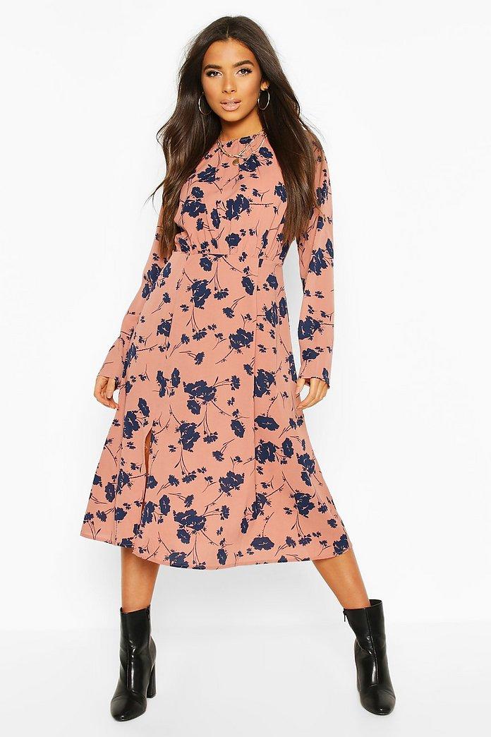 Blommig klänning med veckad midja   boohoo SE