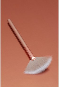Nude Boohoo Highlighter Fan Brush