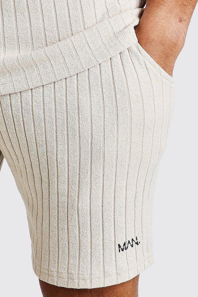 Ensemble T shirt & Short en maille à rayures et étiquette | boohoo