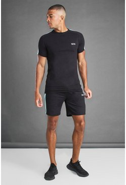 Black svart T-shirt och shorts med sidopaneler