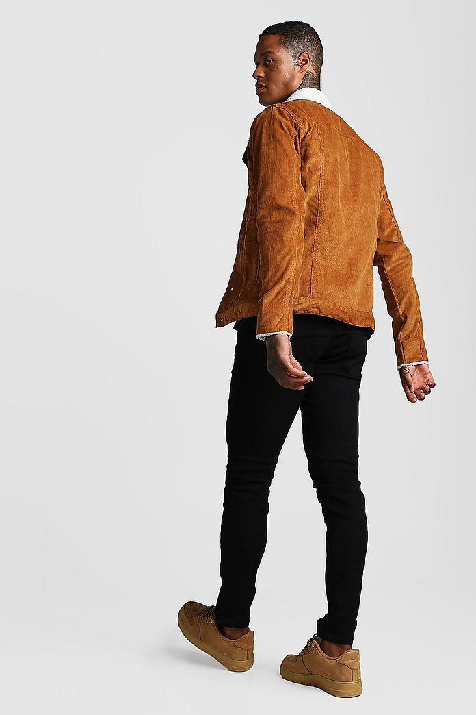 Veste en velours côtelé avec col effet mouton | boohoo