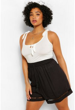 Black Plus Linen Crochet Trim Short