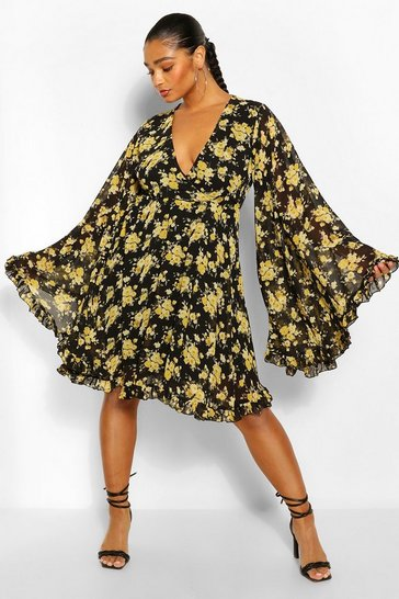 Black Plus Floral Wide Sleeve Skater Dress