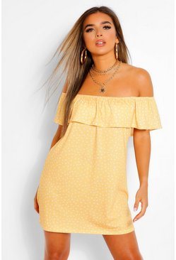 Yellow Petite - Prickig swingklänning med off shoulder-detalj