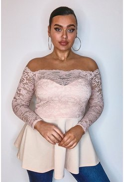 Top Plus in pizzo con volant e scollo bardot, Cipria rosa