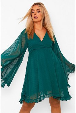 Emerald green Plus Dobby Chiffon Wide Sleeve Skater Dress