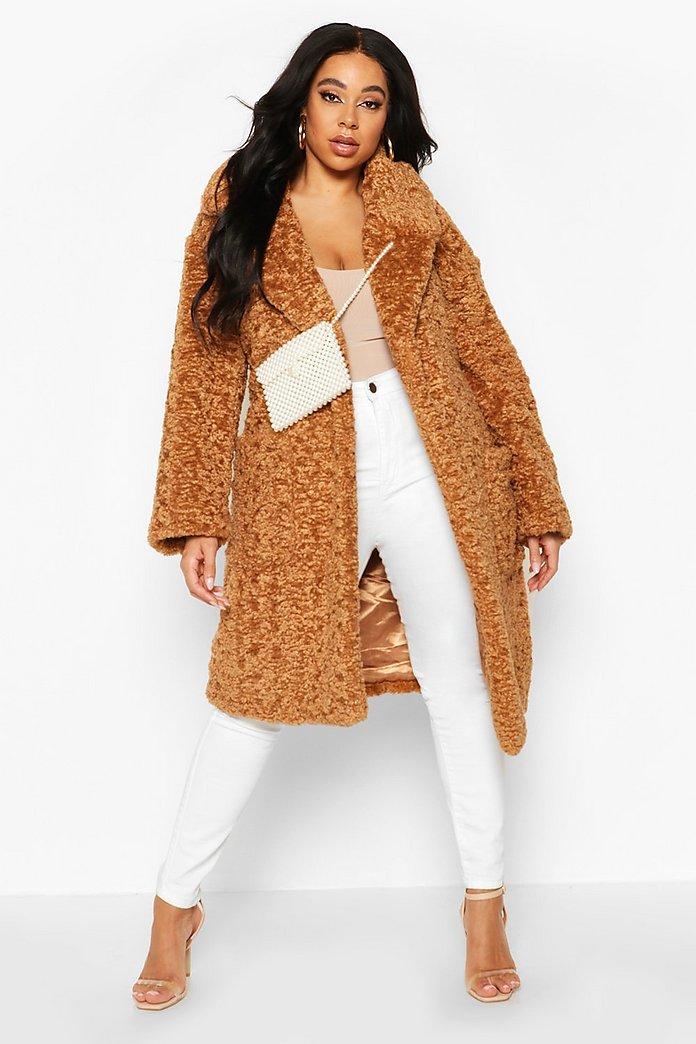 Manteau en fausse fourrure coupe longue teddy | boohoo