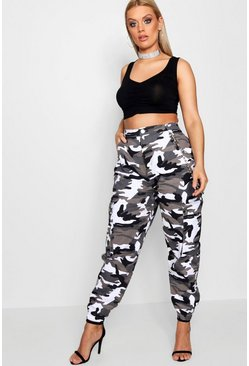 Plus Cargo-Jeans in Camouflage-Print, Grau
